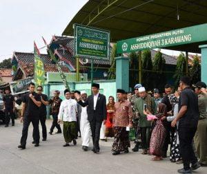 Jokowi Silaturahmi Dengan Ulama dan Tomas Kerawang 101