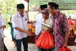 KADIN Jakut Bagikan 300 Paket Sembako, Walkot: Banyak Warga Butuh Bantuan 101