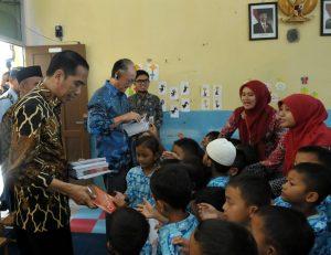 Jokowi Ajak Bank Dunia Blusukan Lihat Penanganan Stunting 102