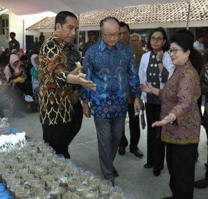 Jokowi Ajak Bank Dunia Blusukan Lihat Penanganan Stunting 101