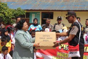Peduli Pendidikan Papua: Terapkan Program Polisi Pi Anjar Tuk 'Jadi' Guru TK/SD 115