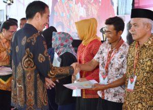 Presiden Jokowi Optimistis Target Sertifikasi Jutaan Lahan Tertuntaskan 113