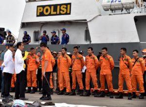 Presiden Jokowi Tinjau Posko Evakuasi Lion Air di Tanjung Priok 114
