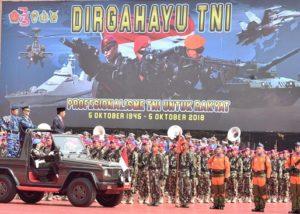 Presiden Jokowi Pimpin Upacara Peringatan HUT TNI Ke-73 113