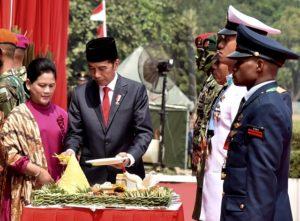 Presiden Jokowi Pimpin Upacara Peringatan HUT TNI Ke-73 114