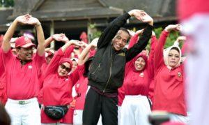 Presiden Senam Bersama Pada HUT Senam Tera Indonesia Ke-33 di Bogor 113