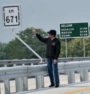 Presiden Resmikan 4 Ruas Jalan Tol Trans Jawa 114