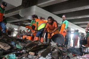 Sampah Kolong Tol Kembali Menggunung, Kasudin LH: Pengelola Tol Tak Serius 113