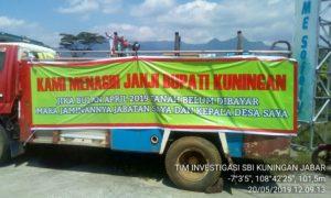 Warga Dua Desa Tutup Akses Bendungan Kuningan 114