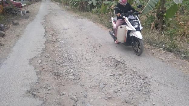Jalan Penghubung 3 Desa di Ciamis Rusak Parah 111