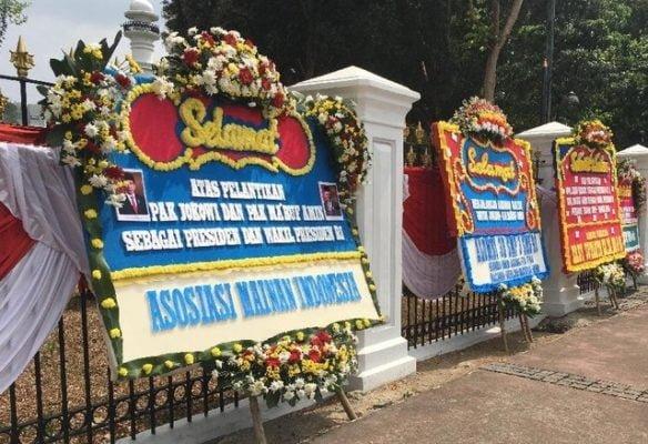 Berderet Karangan Bunga Jelang Pelantikan Presiden Joko Widodo (Jokowi) dan Wakil Presiden KH Ma'ruf Amin 113