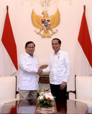 Presiden Jokowi Terima Kedatangan Prabowo di Istana Merdeka 3