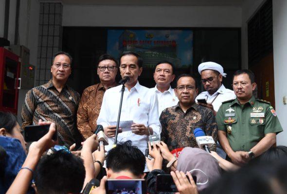 Presiden Jokowi : Usut dan Tindak Tegas Pelaku Serangan ke Menkopolhukam 111