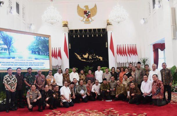 Presiden Jokowi Apresiasikan Menteri di Sidang Kabinet Paripurna 114