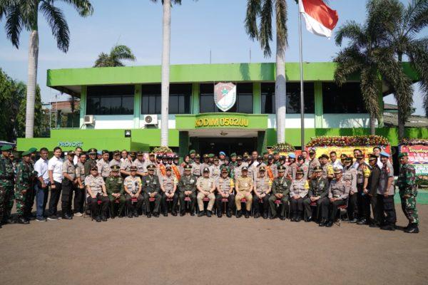 Tiga Kapolres Bersama Walikota Mendatangi Markas Kodim 0502/JU di HUT TNI Ke – 74, 111