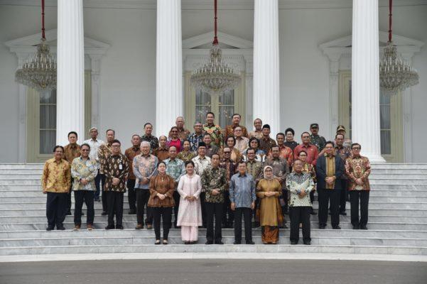 Presiden Jokowi Sampaikan Terima Kasih kepada Wapres JK dan Seluruh Jajaran Kabinet Kerja 113