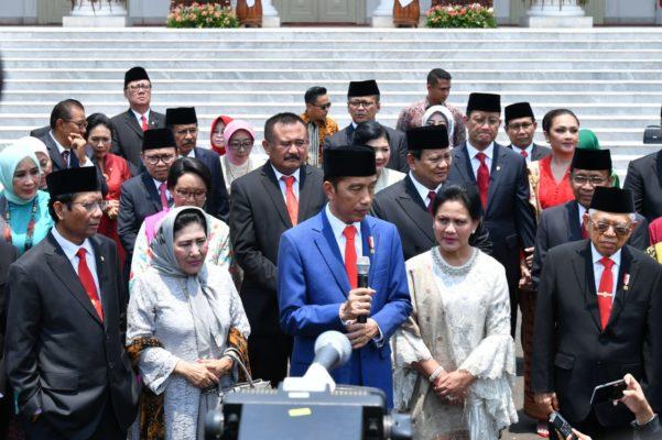 Usai Lantik Menteri, Presiden Jokowi Langsung Kerja 104