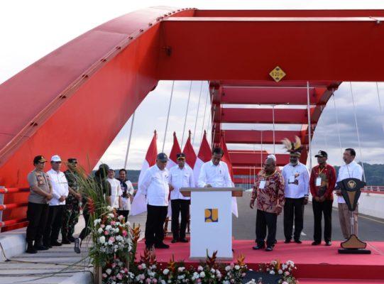 Presiden Jokowi Resmikan Jembatan Youtefa Jadikan sebagai Momentum Papua Bangkit Maju 114