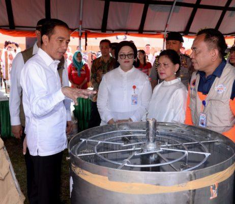 Presiden Jokowi Tinjau Langsung Posko Pengungsi Pasca Gempa di Ambon 113
