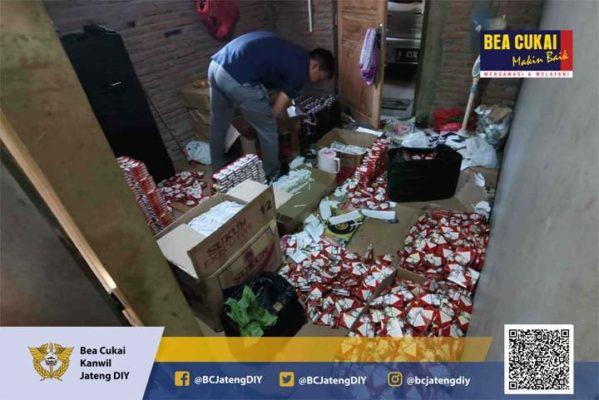 Bea Cukai dan TNI Kembali Sita Rokok Ilegal Rp 2.66 Milyar 114