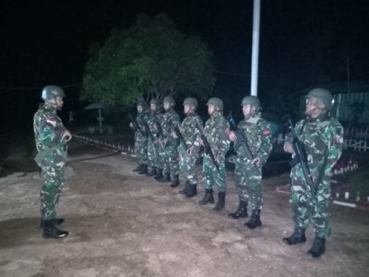 Cegah Penyelundupan Barang Ilegal, Satgas Yonif MR 411/PDW Kostrad Lakukan Patroli Malam di Jalur Sungai 113