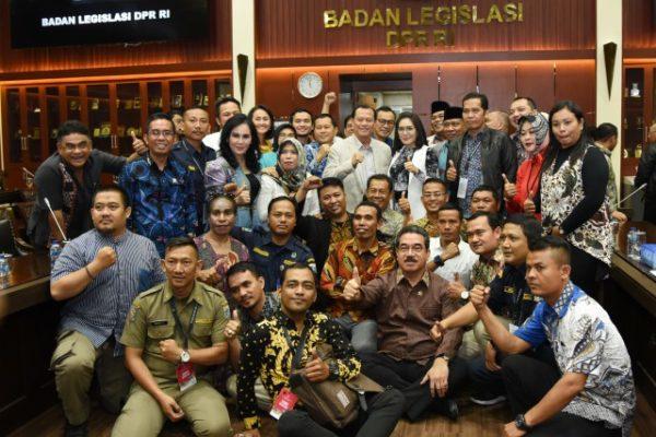 Badan Legislasi : Baleg Berupaya Selesaikan Permasalahan Pegawai Honorer 113