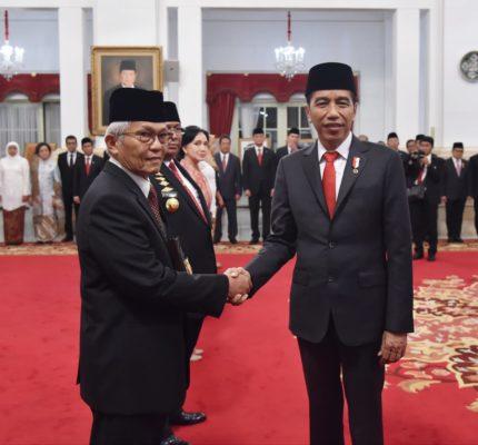 Presiden Jokowi Anugerahkan Gelar Pahlawan Nasional kepada 6 Tokoh 113