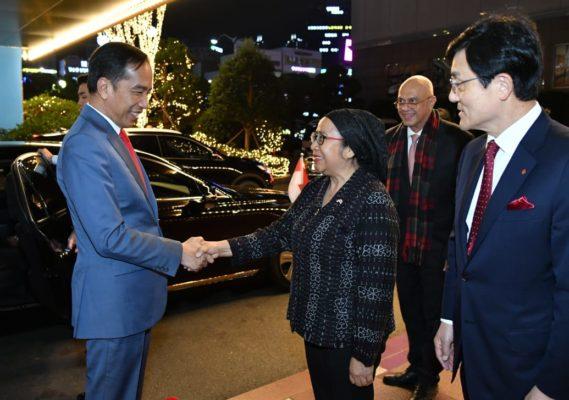 Presiden Jokowi Tiba di Busan Korea Selatan 114