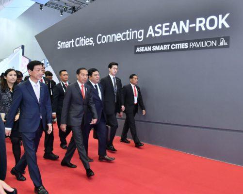 Presiden Jokowi Dorong Perlunya Terobosan soal Energi Terbarukan di ASEAN-ROK 114