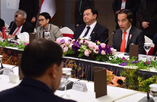 Presiden Jokowi kepada Para CEO Korsel: RI akan Pangkas Regulasi dan Birokrasi 113