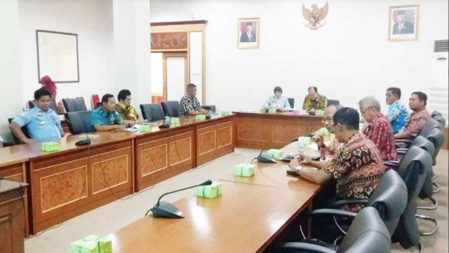 Kadiskum Lantamal XII Hadiri Rapat Klarifikasi Pengaduan Masyarakat Atas Dugaan Penggunaan Pukat Trawl Di Perairan Jawai, Pemangkat Dan Sambas 113
