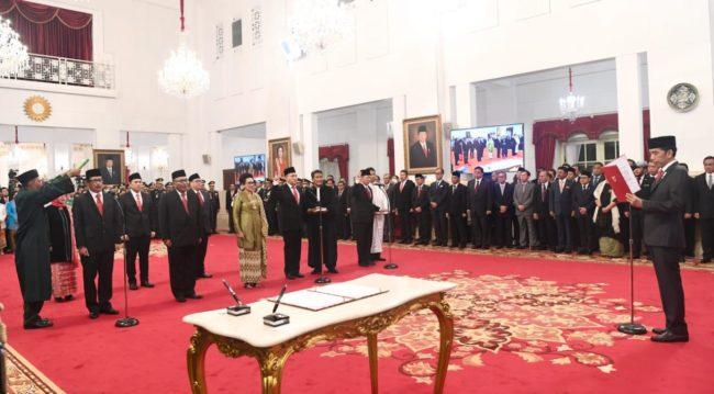 Presiden Jokowi Lantik Anggota Komisi Kejaksaan Republik Indonesia 111