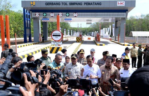 Resmikan Tol Terpanjang, Presiden Jokowi Berharap Kepala Daerah Sambungkan Jalan Tol ke Kawasan Wisata 113