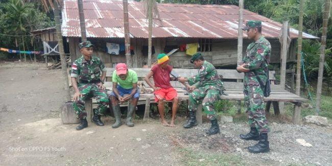 Pengobatan Keliling di Distrik Waris, Satgas Yonif R 300 Peduli Warga Papua 113