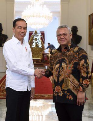 Presiden Jokowi Terima Pimpinan KPU di Istana Merdeka 114