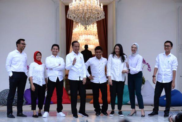 Presiden Jokowi Kenalkan 7 Milenial sebagai Staf Khusus Baru 113