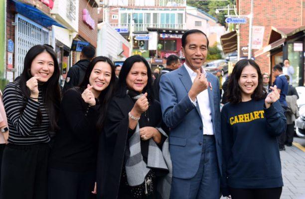 Kunjungi Desa Budaya Gamcheon di Busan, Presiden Jokowi: Bisa Jadi Inspirasi 114