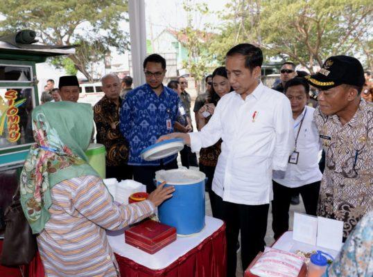 Presiden Ingatkan Nasabah Mekaar untuk Disiplin Mengangsur 114