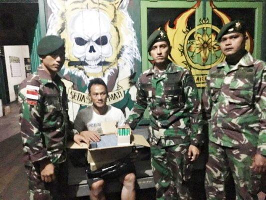Dapatkan 500 Butir Munisi Ilegal, Satgas Yonif Raider 303 Kostrad Periksa Pelintas Batas di Long Nawang 113