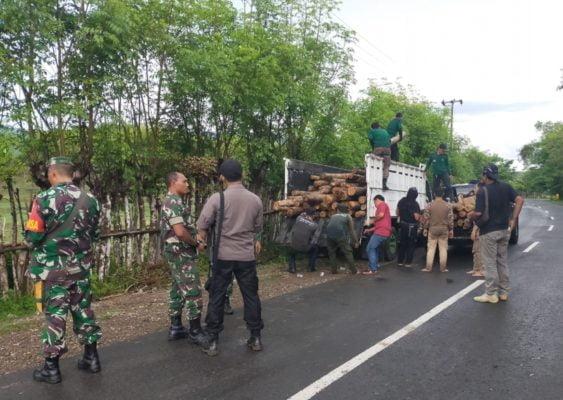 Patgab TNI-Polri dan KPH Batu Lante Amankan Lima Kubik Kayu Jati di Kawasan Hutan Semamung 113