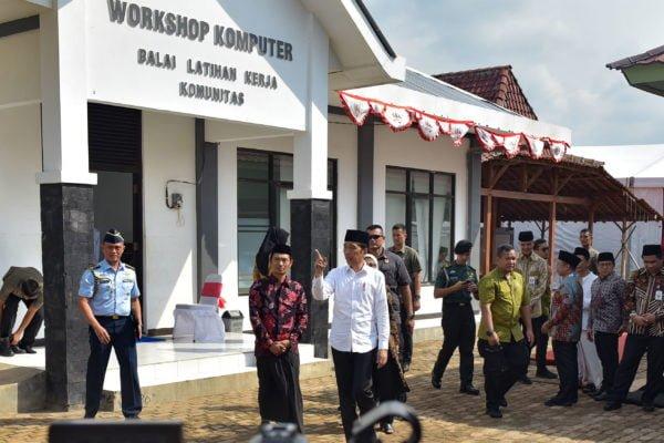 Presiden Jokowi : Tahun 2020 Akan Dibangun 2000 BLK Komunitas Guna Perkuat Ketrampilan SDM 113