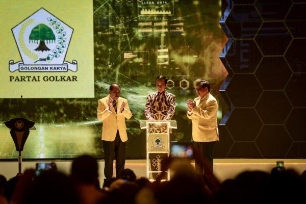 Tegaskan Tidak Intervensi, Presiden Jokowi Merasakan Kesejukan Saat Buka Munas X Partai Golkar 113