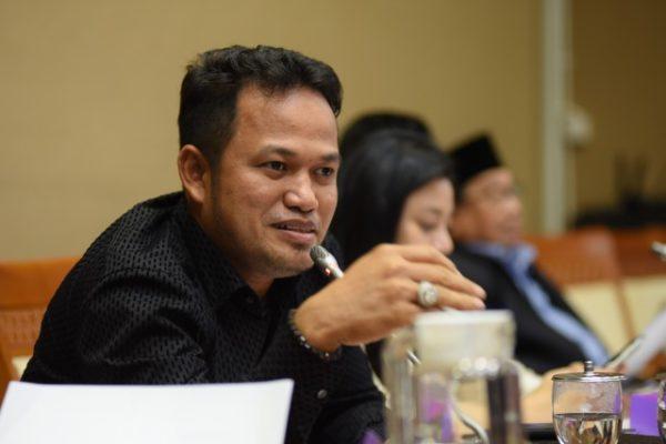 DPR RI Komisi VII : Legislator Nilai Pemerintah Lamban Dorong Kembangkan EBT 113