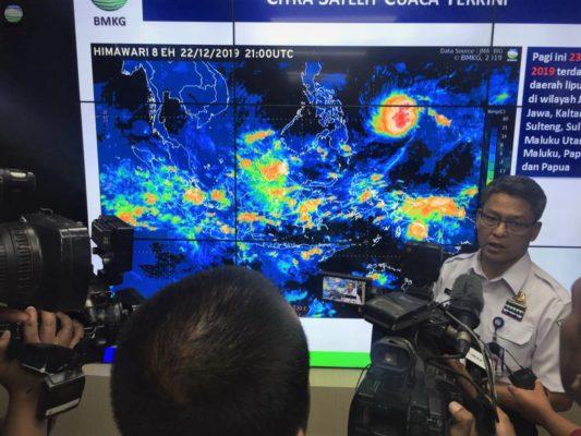 BMKG Ingatkan Masyarakat Waspadai Cuaca Ekstrem pada Libur Natal 2019 dan Tahun Baru 2020 113