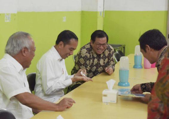 Presiden Jokowi Nikmati Makan Seafood dan Sambal Buatan Gubernur Kaltara 113
