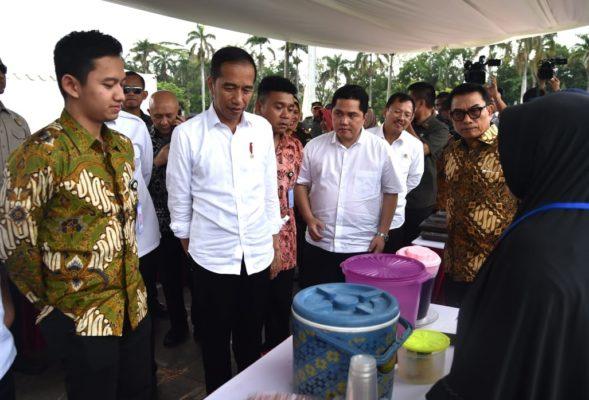 Presiden Jokowi Ingatkan Para Nasabah Mekaar untuk Jaga Kepercayaan 114