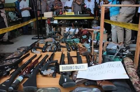 Subdit Indaksi Ditreskrimsus Polda Jatim Bongkar Penjualan Senpi Ilegal 112