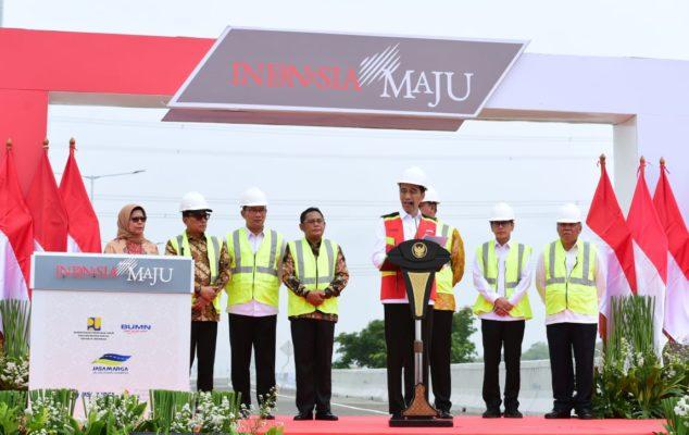 Presiden Jokowi Resmikan Jalan Tol Layang Jakarta-Cikampek 113