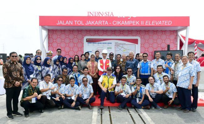 Presiden Jokowi Resmikan Jalan Tol Layang Jakarta-Cikampek 114