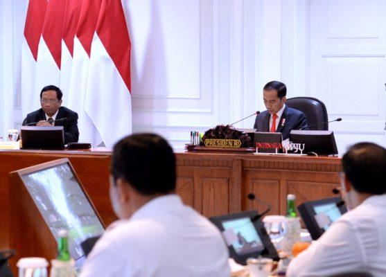 Presiden Jokowi Pimpin Rapat Terbatas Persiapan Natal dan Tahun Baru 113